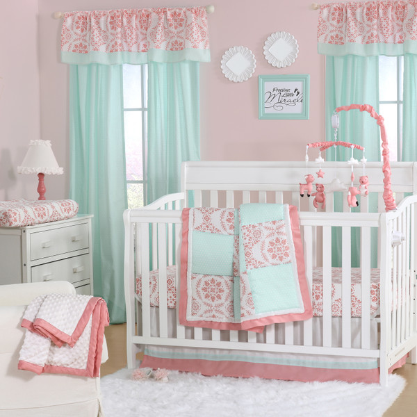 Pretty Patch Medallion Crib Starter Set In Coral Amp Mint