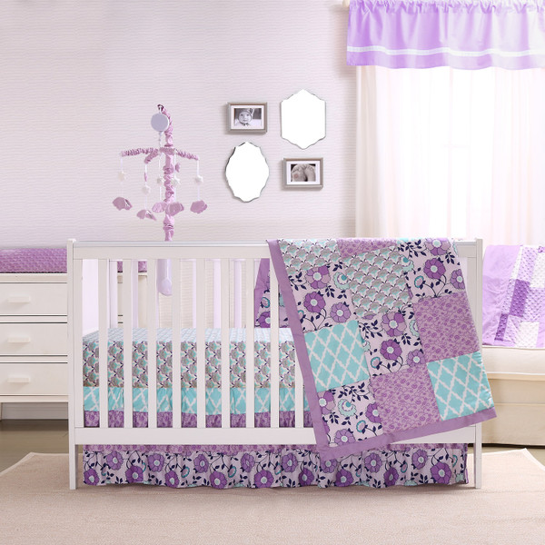 Zoe Crib Bedding Set